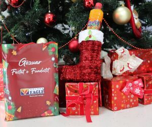 FRUTEX ua kthen buzëqeshjen fëmijëve për festa, shpërndan mbi 2000 dhurata